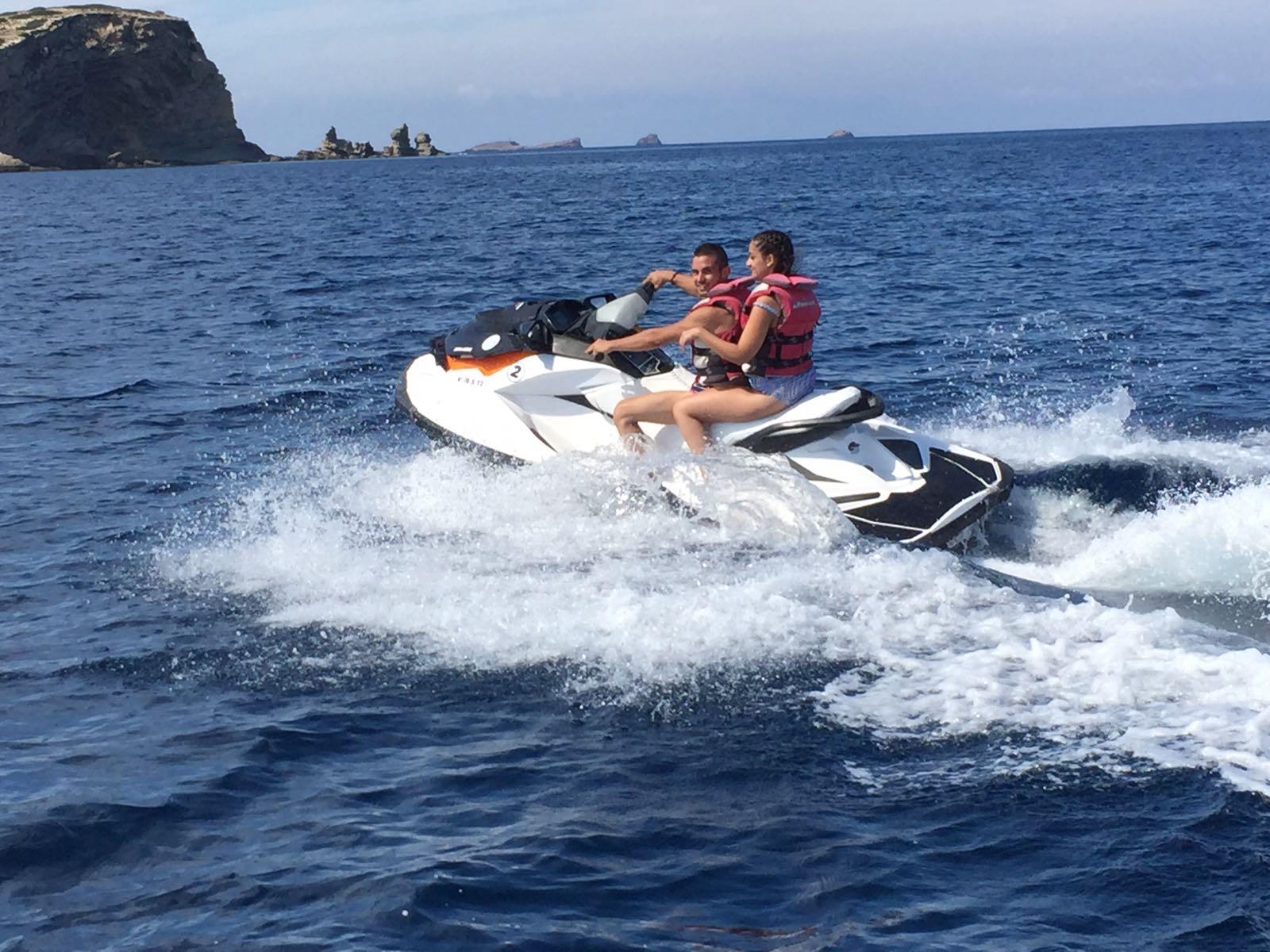 motos de agua ibiza jet ski rent cala conta jetski ibiza jetski tour. Black Bedroom Furniture Sets. Home Design Ideas
